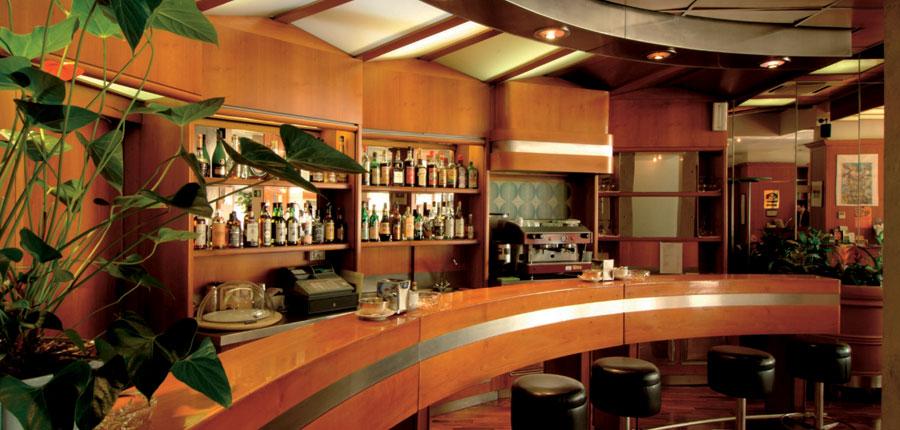 Hotel Firenze, Verona, Italy - bar.jpg